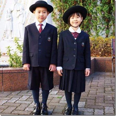 日本小学生男女服装